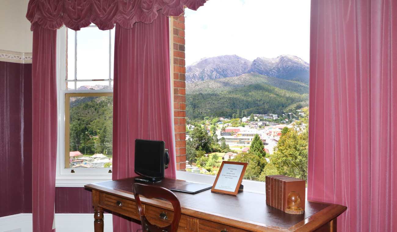 The Owen Is Penghana's Luxurious, Spacious VIP Suite, With Views Over Queenstown To Mount Owen